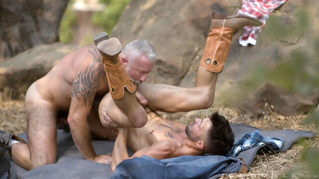 Icon Male - Painful Love bareback gaysex